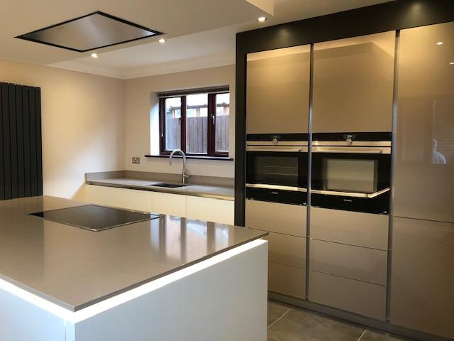 More stunning kitchens…